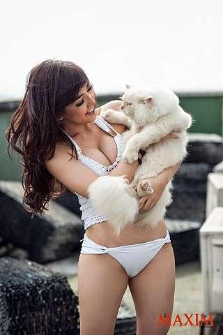 Koleksi Foto Bella Shofie For Maxim Indonesia Magazine Photoshoot