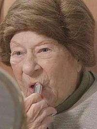 Ketika Nenek 100 Tahun Memberikan Tips Kecantikan
