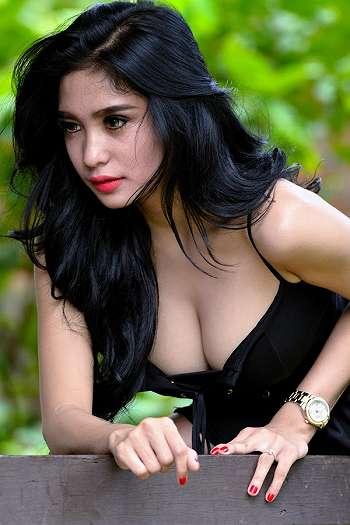 Koleksi Foto Black Photoshoot Bibie Julius