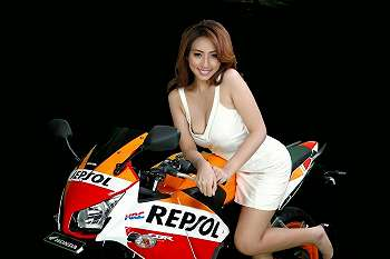 Koleksi Foto Angela Lorenza - Miss Honda Imos