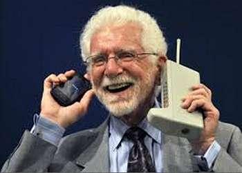 Penemu Telepon Genggam Martin Cooper