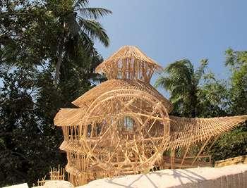 Mengintip Keindahan Vila Terbuat Dari Bambu di Bali