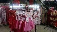 Jelang Imlek, Toko Aksesoris di Glodok Ramai Diserbu Pembeli