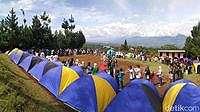 Komunitas Trajet Berkemah Bersama di Gunung Gede Pangrango