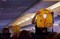 Viral! Pesawat Batal Terbang Karena Penumpang Usil Main Pelampung