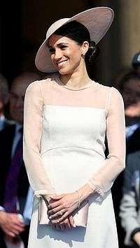 Meghan Markle Dikabarkan Bantu Perbaiki Hubungan Pangeran Charles dan Harry