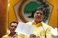 Ketua Golkar Jatim Dicokok KPK, Airlangga: Kami akan Tindak Tegas