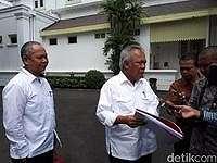 Jokowi Panggil Menteri hingga Operator Tol, Bahas Penurunan Tarif