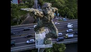 Wajah Terlihat Jelas, Foto Patung Pancoran Viral di Medsos