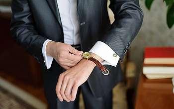 Tips Memilih Jam Tangan Sesuai Warna Kulit dan Bentuk Tangan