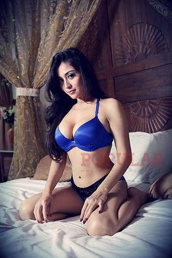 Koleksi Foto Extra Hot Dan Sexy Model Gege Fransiska (100 Pics)