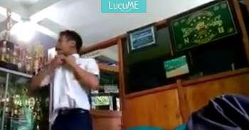 Murid Edan Ini Tantang Kepala Sekolahnya Berantem, Videonya Bikin Gregetan