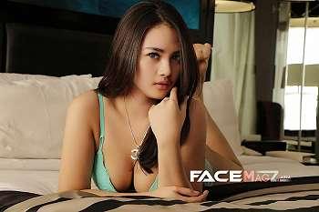 Foto Ririn Model Sexy Yang Menggoda Iman Pria