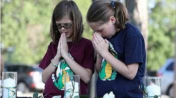 10 orang tewas di sekolah Texas, tersangka pelaku    tak punya nyali bunuh diri