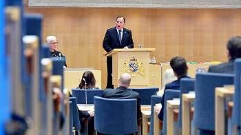 DPR: Anggota parlemen Swedia tak dapat tunjangan mobil, tanpa tunjangan keluarga dan tinggal di apartemen sempit