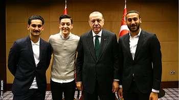 Dikritik berfoto dengan Presiden Erdogan, Mesut Ozil mundur dari timnas Jerman