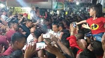 Ngopi Bareng Warga di Manado, Jokowi Akan Genjot Pariwisata Sulut