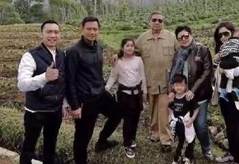 SBY Rogoh Kocek Rp 43 Juta demi Kereta Wisata Imperial