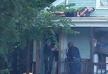 Aksi Lucu Sembunyinya Pelaku Kejahatan Saat Diburu Polisi!