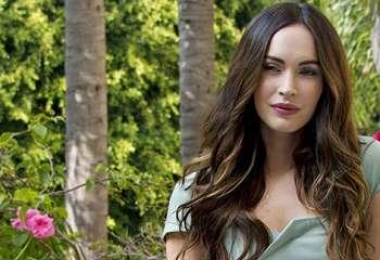 [FOTO] Hot Mama! Jadi Model Lingerie, Pesona Megan Fox Bikin Meleleh