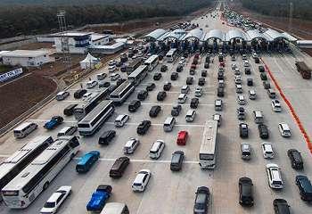 Netizen Ciutkan Kemacetan di Tomang-Karang Tengah